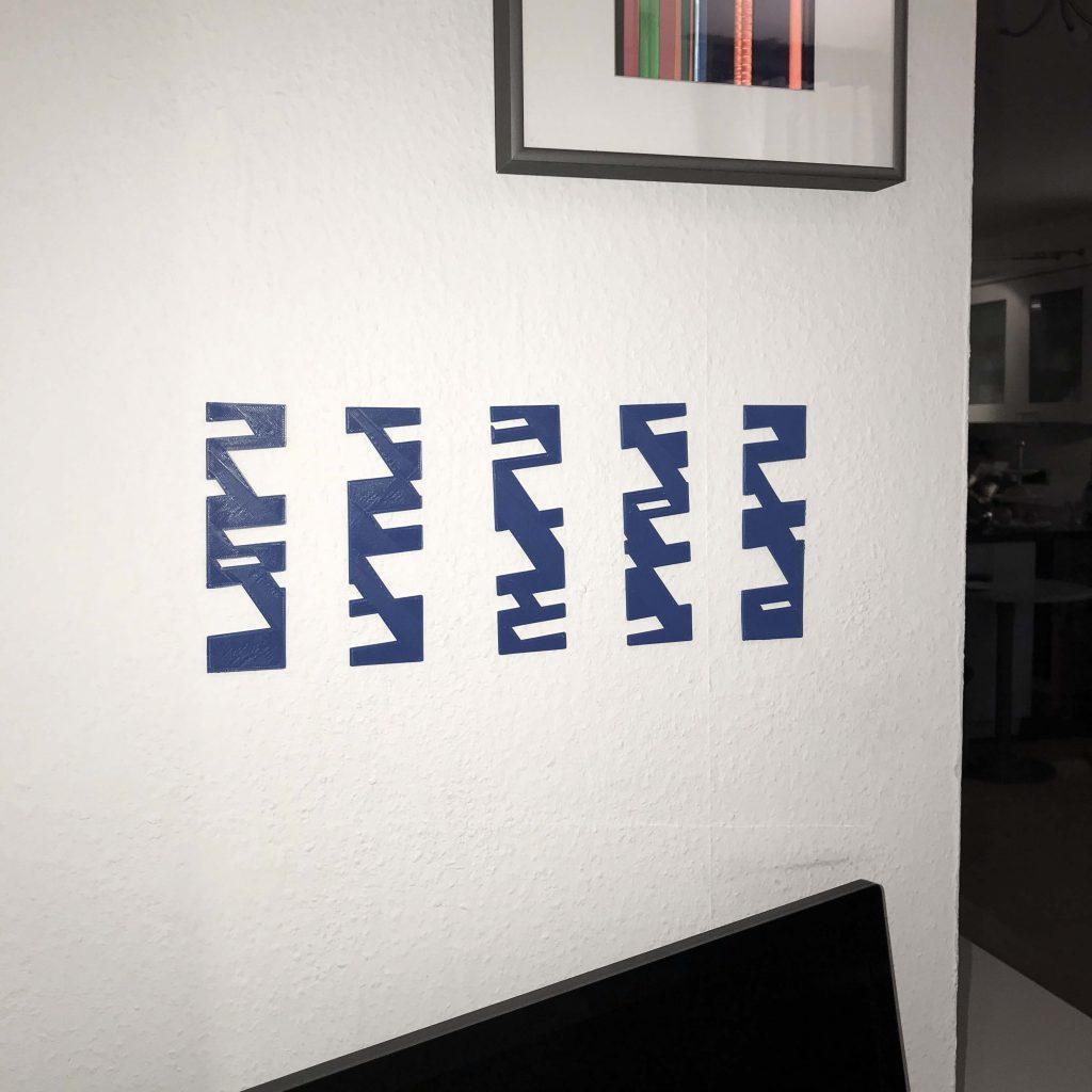 3D-Druck aufgehängt an der Wand
